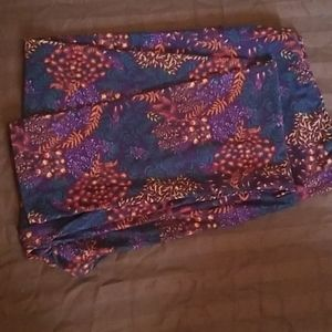 TC Lularoe Leggings purple vine print